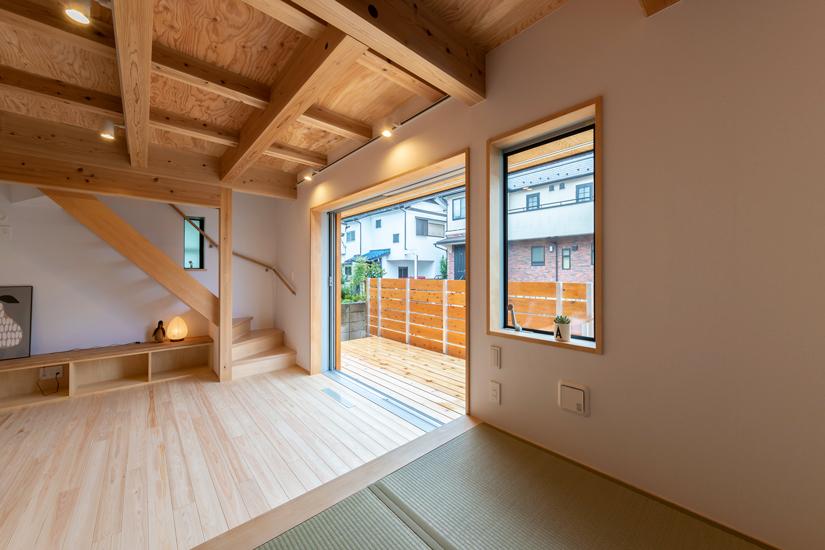 正方の家 施工事例 西東京市 全開口 窓 ウッドデッキ